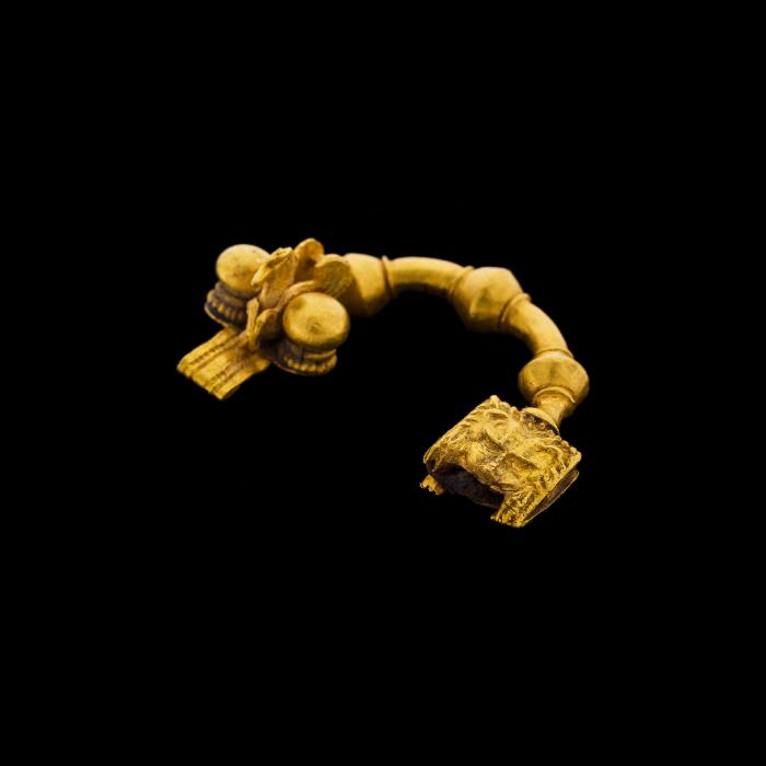 ヘレニズムの金のフィビュラ のコピー